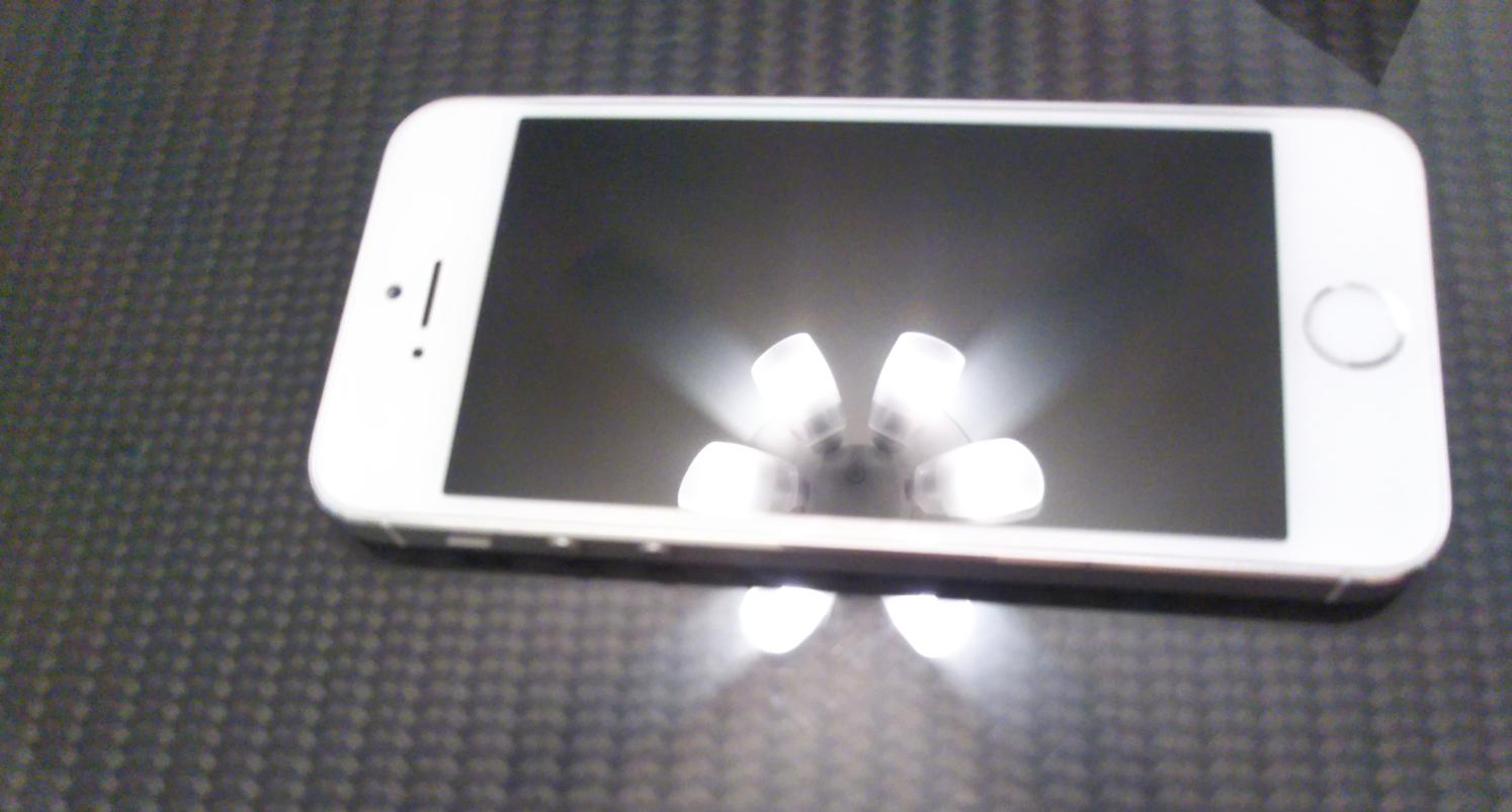 スマホガラスコーティング-iPhone5s施工後の美しさをご覧ください